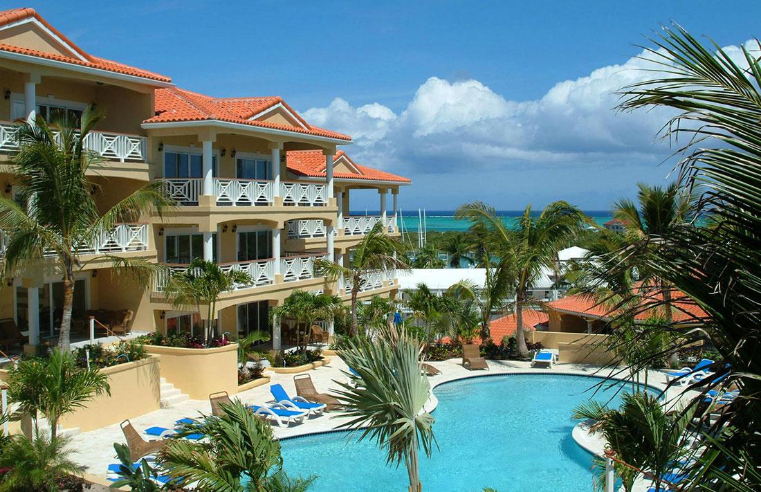 Queen Angel Resort, Turtle Cove